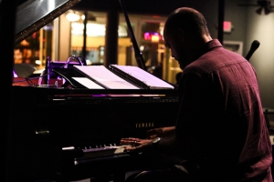Darius Scott, piano